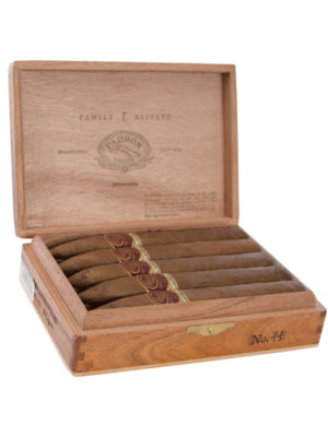 Padron Family Reserve No. 44